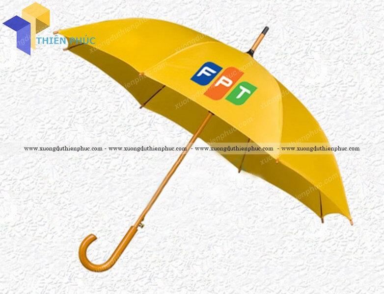 Cung cấp dù che mưa cầm tay giá rẻ theo yêu cầu